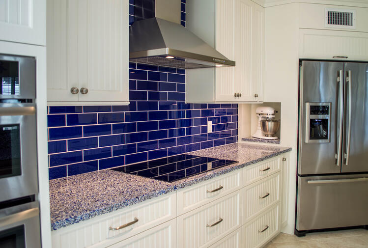 3-vetrazzo20recycled20glass20in20cobalt20skye20for20countertops20and20creative20kitchen20storage20by20waterview20kitchens[1]