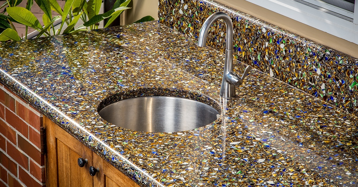 california-outdoor-kitchen-sparkles-with-recycled-glass-cover