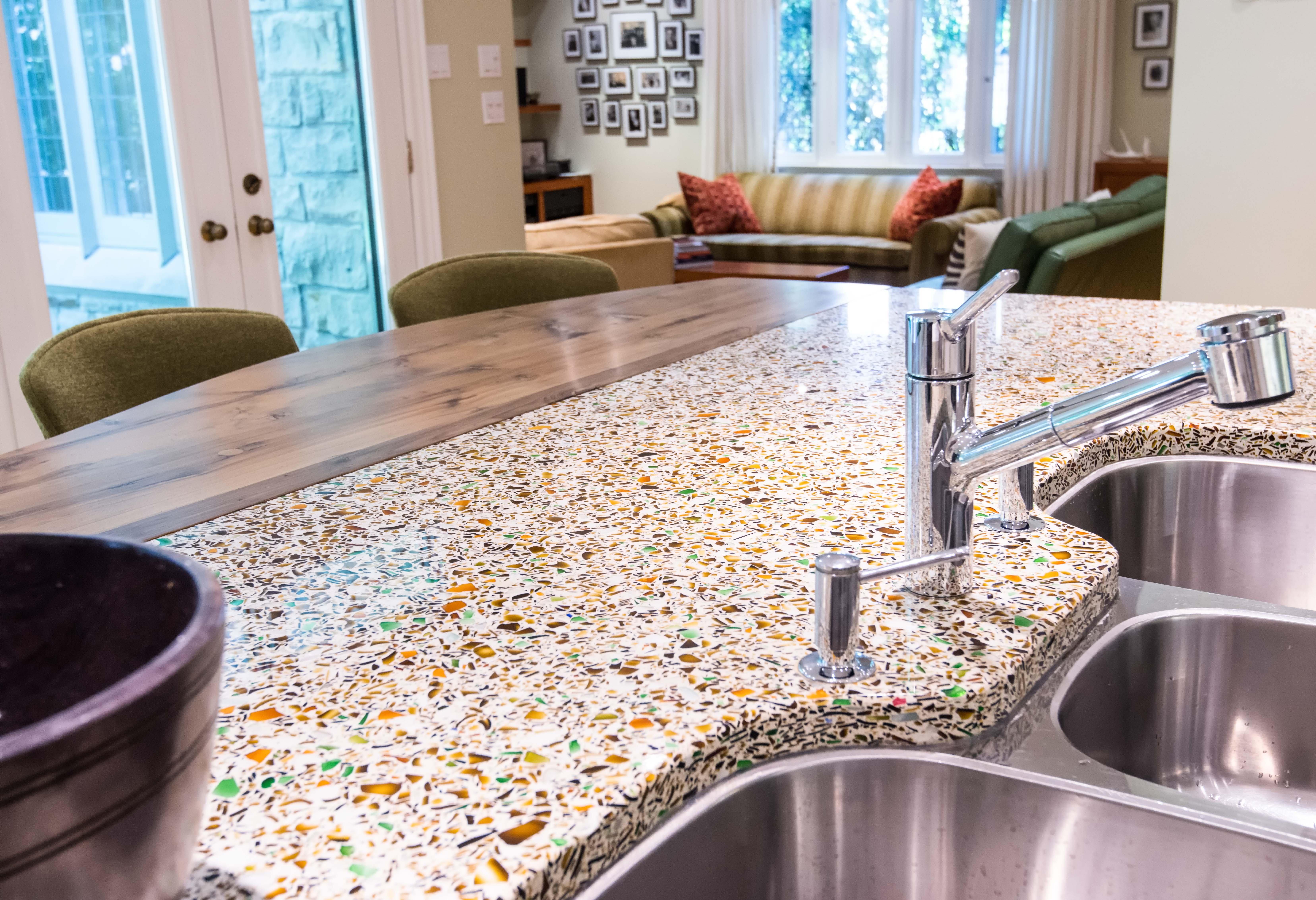 Catherine-friis-toronto-design-vetrazzo-recycled-glass-countertops-alehouse-amber