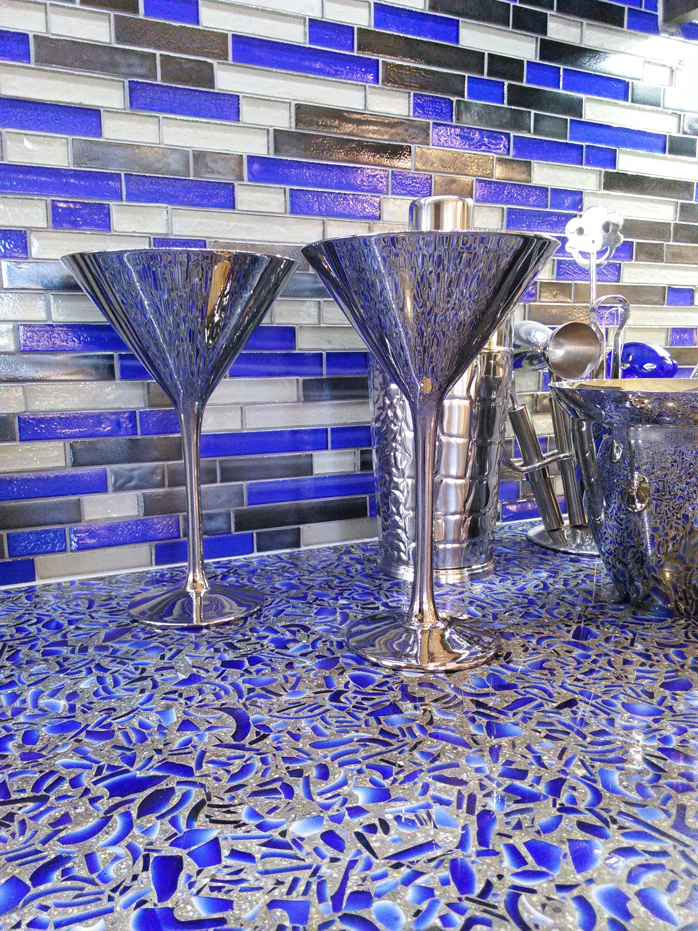 Coastal_Kitchen_Interiors_Cobalt_Skyy_UltraCraft_CermaicMatrix_display_3