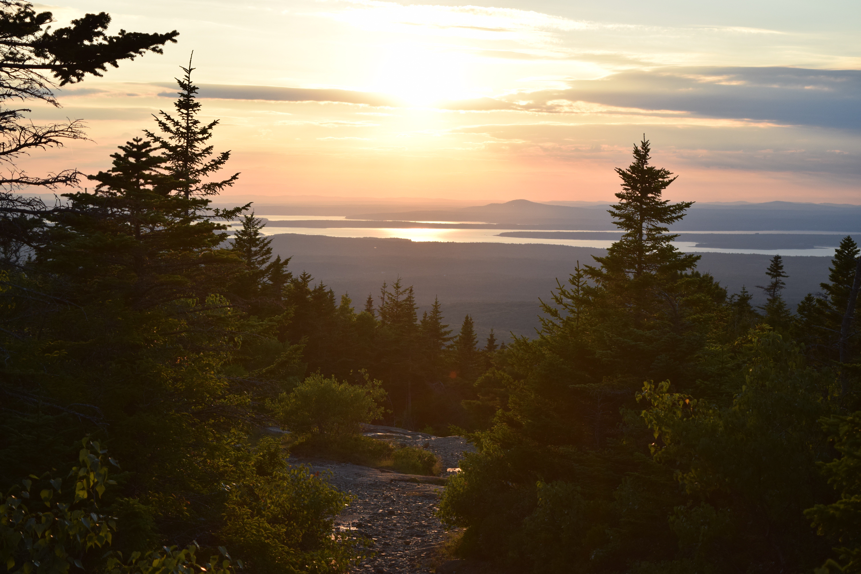 Mountain-Lake-Alehouse
