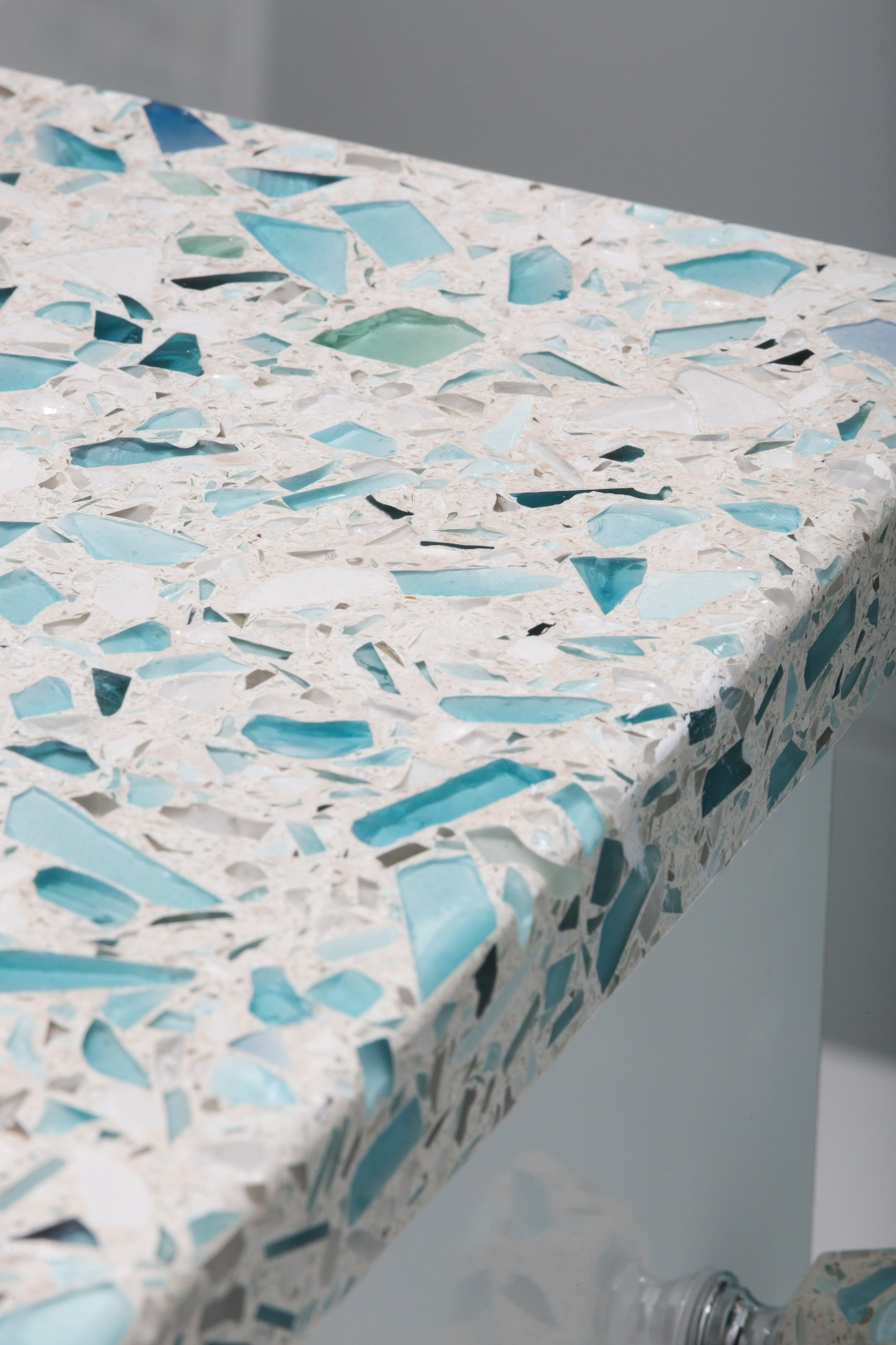 floating-blue-sea-pearl-finish-recycled-glass-countertop-vetrazzo